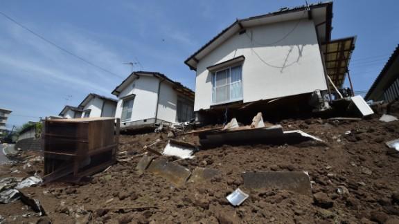 Strong  Magnitude: 6.0-6.9  Average number per year: 120-134  Damage: Severe  Notable quakes: About 5,500 people were killed in January 1995 by a magnitude 6.9 quake in Kobe, Japan.   The Loma Prieta earthquake (magnitude 6.9) killed 63 people in October 1989 and caused an estimated $6 billion in damage in California