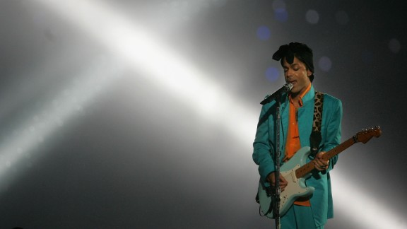 """MIAMI GARDENS, FL - FEBRUARY 04:  Musician Prince performs during the """"Pepsi Halftime Show"""" at Super Bowl XLI between the Indianapolis Colts and the Chicago Bears on February 4, 2007 at Dolphin Stadium in Miami Gardens, Florida.  (Photo by Doug Pensinger/Getty Images) *** Local Caption *** Prince"""