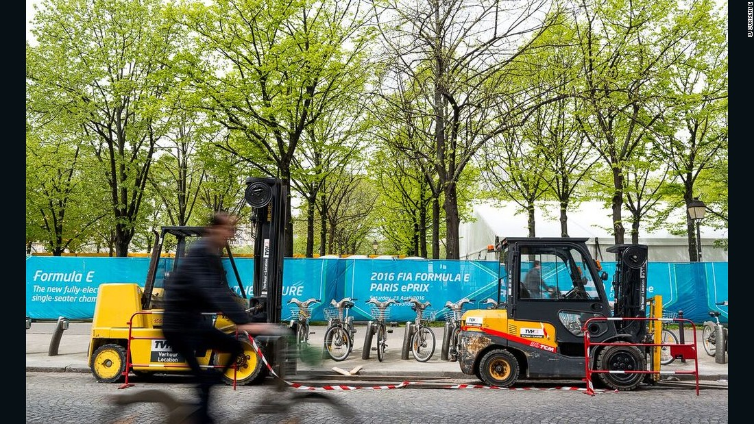 The streets of Paris' 7th arrondissment have been transformed into a Formula E race track.