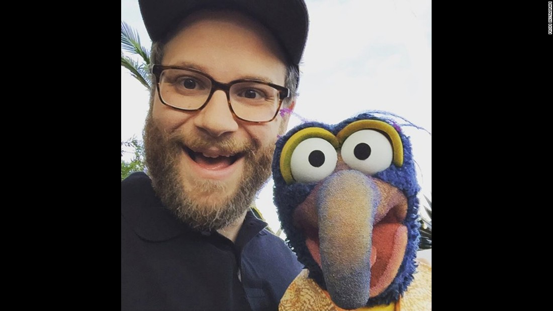 """Best celebrity I've ever met,"" <a href=""https://www.instagram.com/p/BD3iIAnwF43/"" target=""_blank"">said actor Seth Rogen,</a> posing with Gonzo the Muppet on Wednesday, April 6."