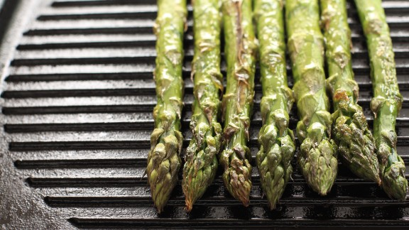 "Contrary to grilling, which normally involves some sort of charcoal, ""griddling"" uses a pan with distinctive raised edges and is normally done on the stove or in the oven.  Vegetables such as asparagus, griddled with a tiny bit of olive oil, can develop intense flavor and be quite healthy. It"
