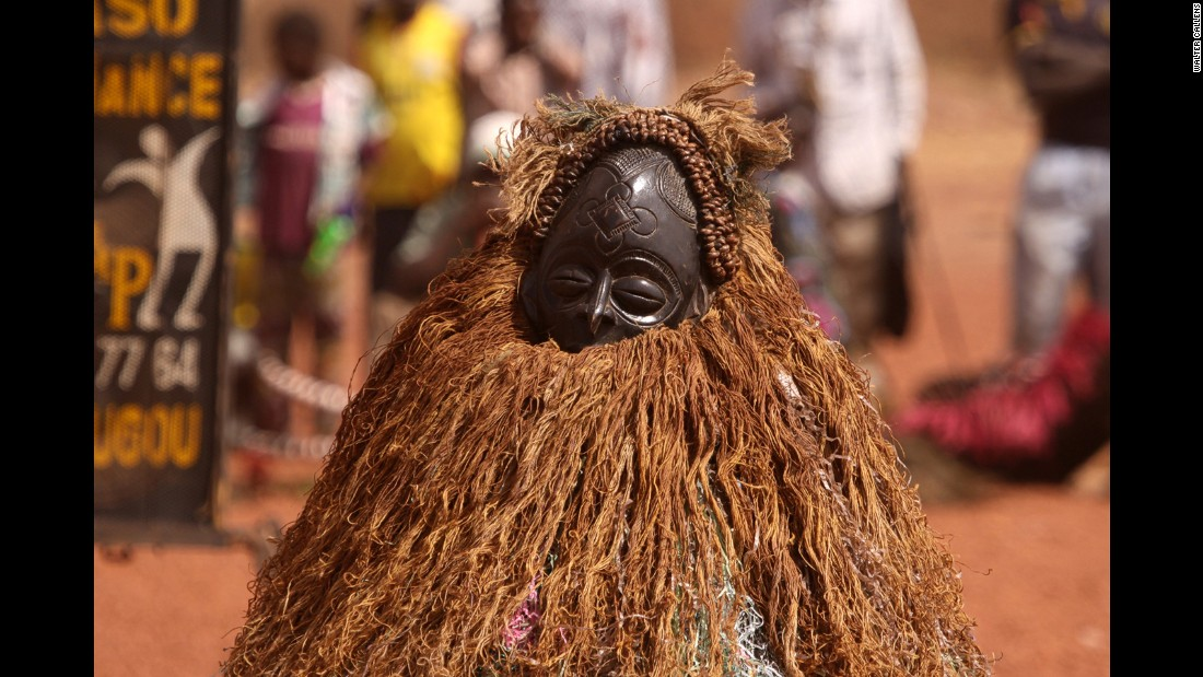 Festima, entering its 20th year, is as much about passing on traditional culture and raising awareness. Douny admits that the private nature of many masquerades prevents them from being performed in public spaces. Therefore Festima organizes panel discussions and seminars with the intention to create an infrastructure for the preservation and continuation of these traditions.