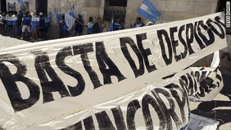 cnnee argentina protest workers