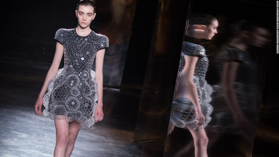 Iris Van Herpen When Fashion Meets Science Cnn Style
