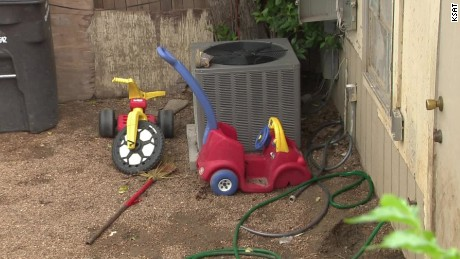 texas toddlers tied up in backyard pkg _00000410