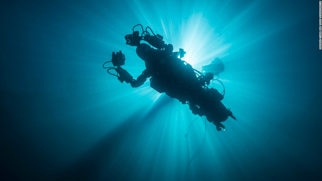 OceanOne successfully completed its maiden voyage, navigating a 350-year-old wreck that lay  out of reach of conventional divers since sinking in waters 32 km (20 miles) off France.