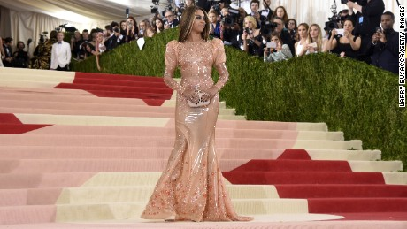 b3ab9f96e86 Beyonce attends the  quot Manus x Machina  Fashion In An Age Of  Technology quot