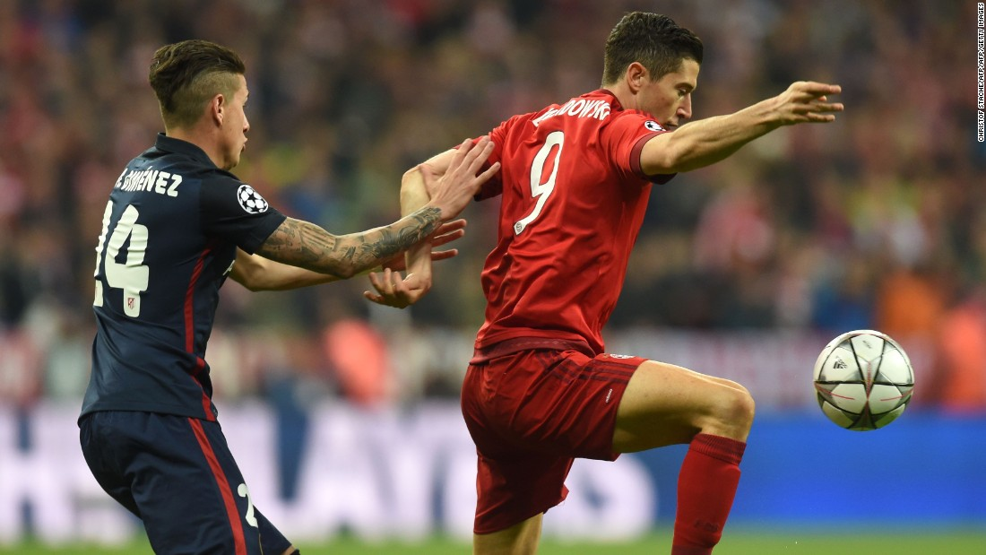 Robert Lewandowski, the Bayern striker, hardly had a kick in the first game but he caused plenty of problems for the Atletico defense in the opening stages.