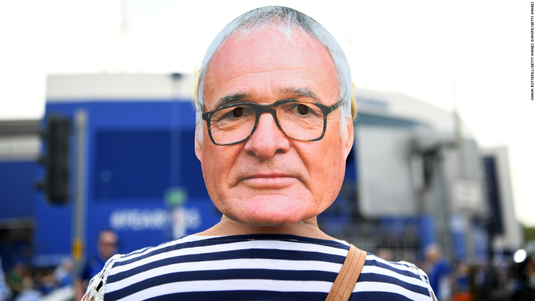 A fan attends Saturday's match wearing a Ranieri mask.