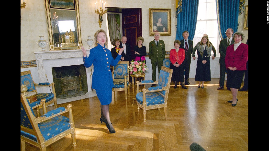 Clinton unveils the renovated Blue Room of the White House in 1995.