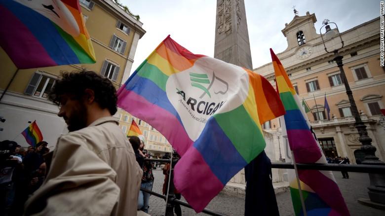 Gay sex club rome italy