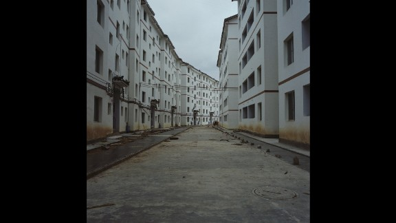 More houses under construction in Leishan.