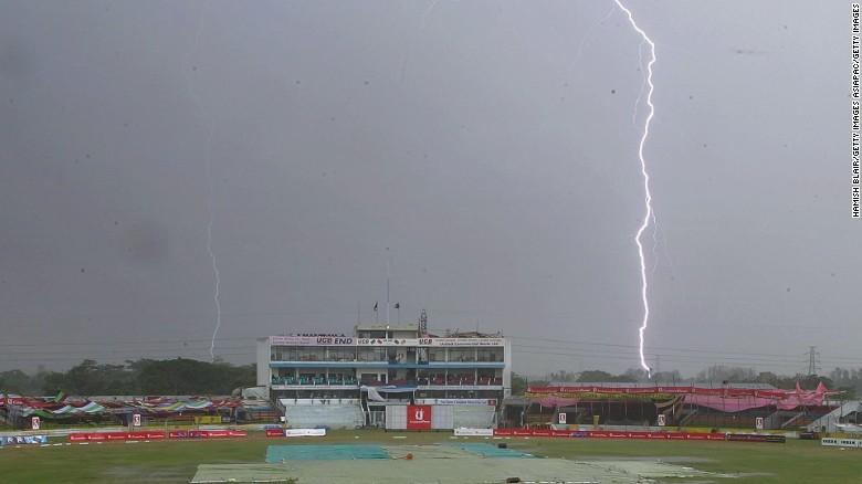 Lightning strikes kill 65 in four days in Bangladesh & Lightning kills 65 people in four days in Bangladesh - CNN