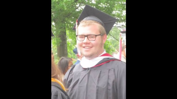 When he graduated from college in May 2013, Harmon weighed 285 pounds after making small changes, but he didn't stick with them.