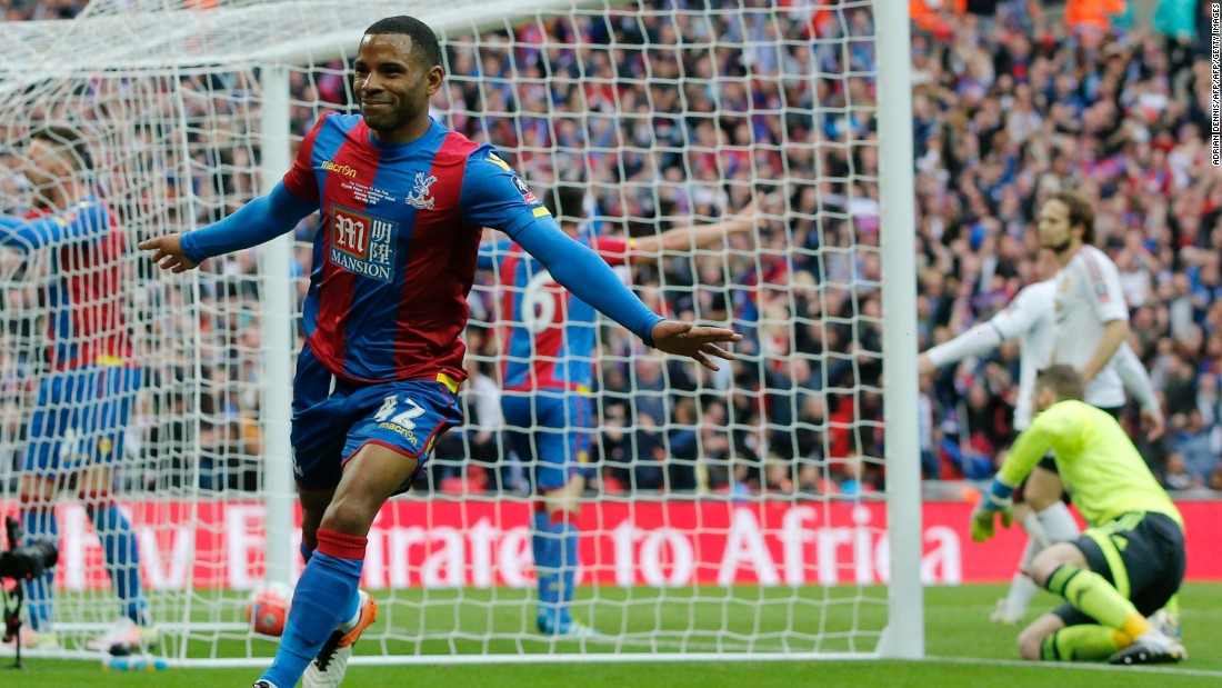 It was Palace who would draw first blood thanks to substitute Jason Puncheon's well struck shot.