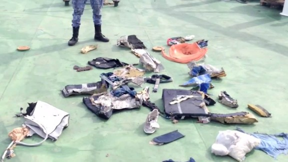 Wreckage, life vests and personal belongings found in search