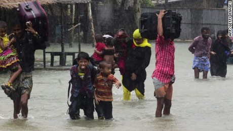 Tropical cyclone slams India, Bangladesh