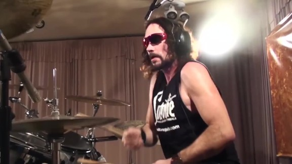 former megadeth drummer dies onstage orig_00000022.jpg