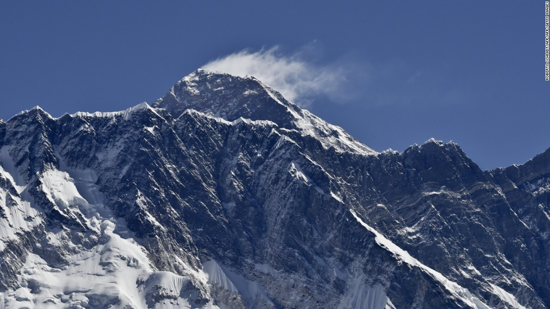 Glacier melt on Everest exposes the bodies of dead climbers
