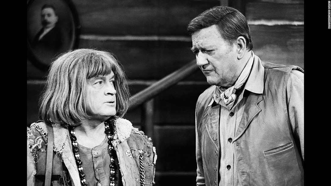 Wayne performs with comedian Bob Hope for one of Hope's TV specials in 1971.