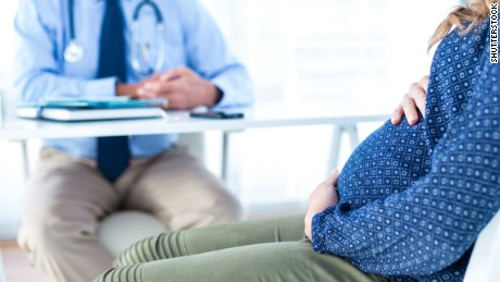 Waiting a year between pregnancies lowers health risks, study says