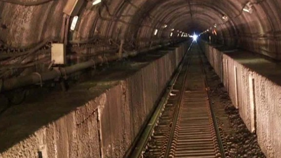 us rail infrastructure deteriorating dnt marsh erin_00015510.jpg