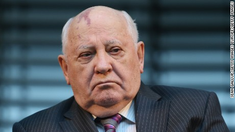 Mikhail Gorbachev warns Russia and US must avoid 'hot war'