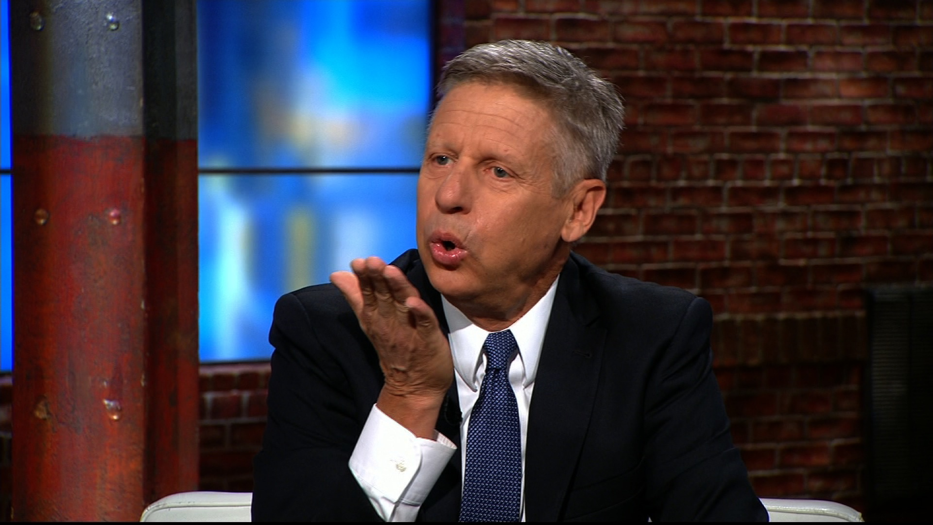 160531075706 gary johnson libertarian donald trump border wall racist kiss sot 00005509 gary johnson blows donald trump a kiss cnn video