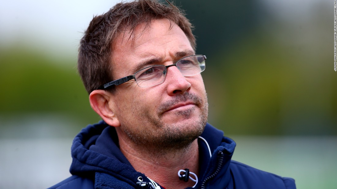 However, USA Sevens coach Mike Friday insists Isles will have to choose between rugby and running.