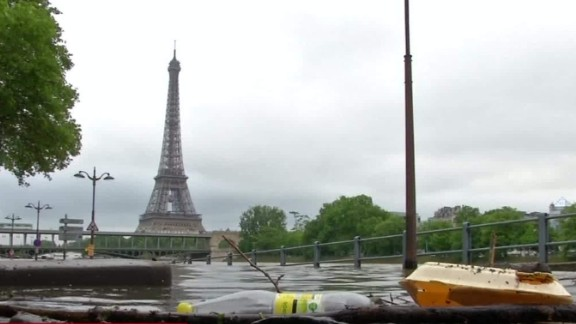 paris flood louvre erin mclaughlin pkg_00000920.jpg