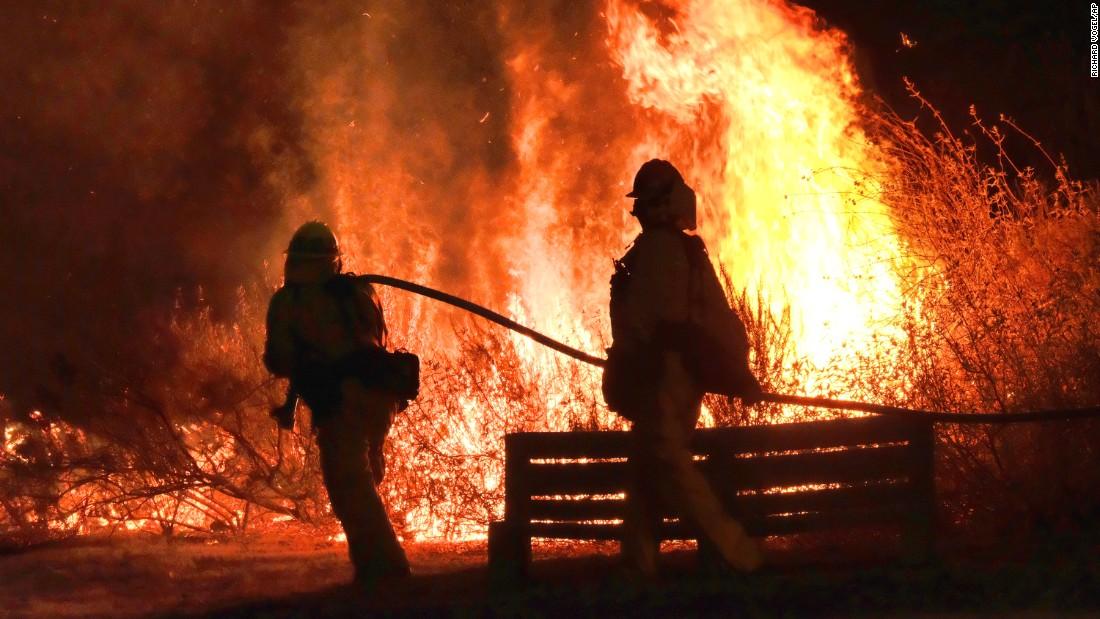 Calabasas Firefighters Gaining Ground