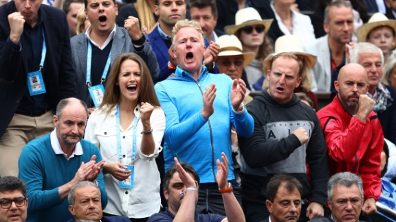 Cheered on by wife Kim Sears and coach Jamie Delgado, the Brit was aiming to win his third grand slam after winning the 2012 U.S. Open and Wimbledon in 2013.