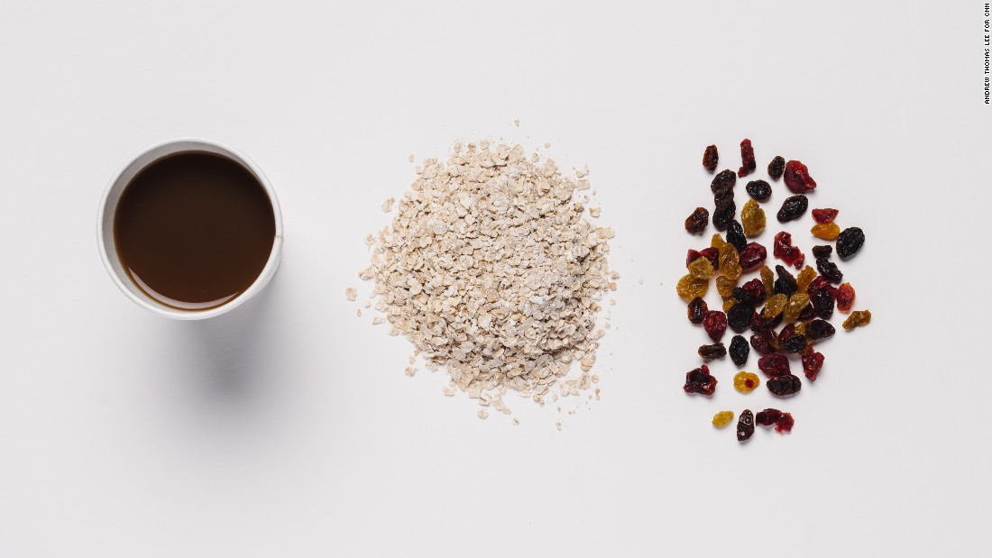 For those who need to keep a close eye on their salt intake, original oatmeal with dried fruit topping is the lowest-sodium meal on Dunkin's menu besides the smoothies. And coffee with skim milk has less sodium than a latte.