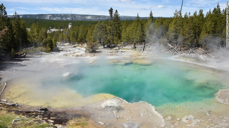 Man falls into Yellowstone hot spring