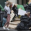 04 Paris Strikes Garbage 0608