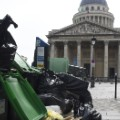 05 Paris Strikes Garbage 0608
