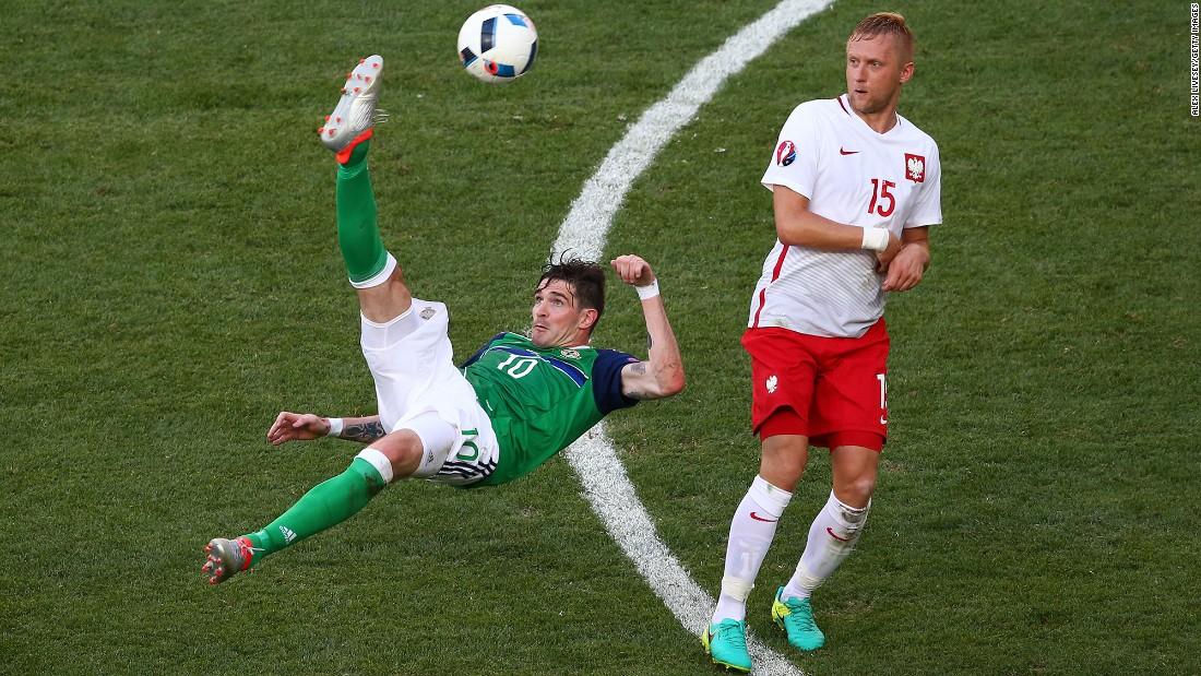 Northern Ireland's Kyle Lafferty attempts an overhead kick.
