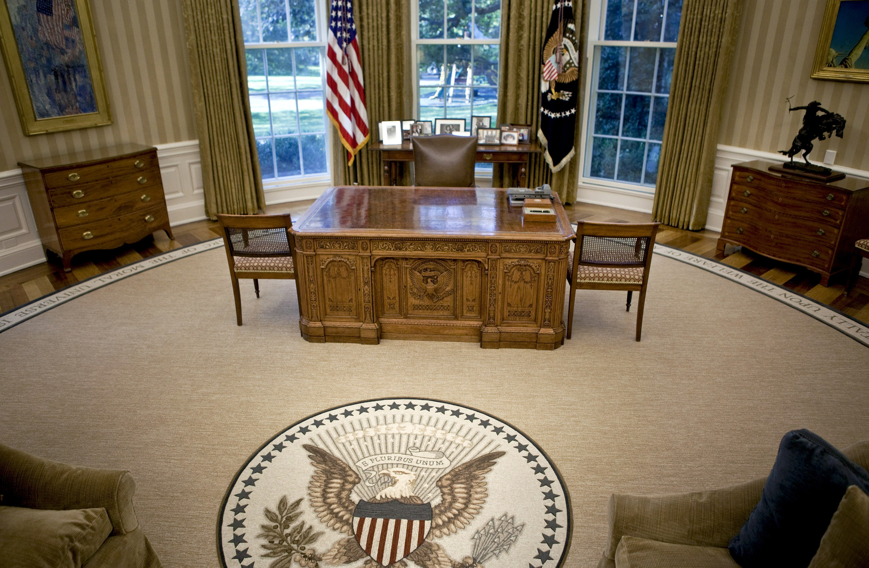 oval office picture. Oval Office Picture B