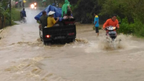 At least 35 people are dead after heavy rains and landslides hit several towns in Central Java, Indonesia.