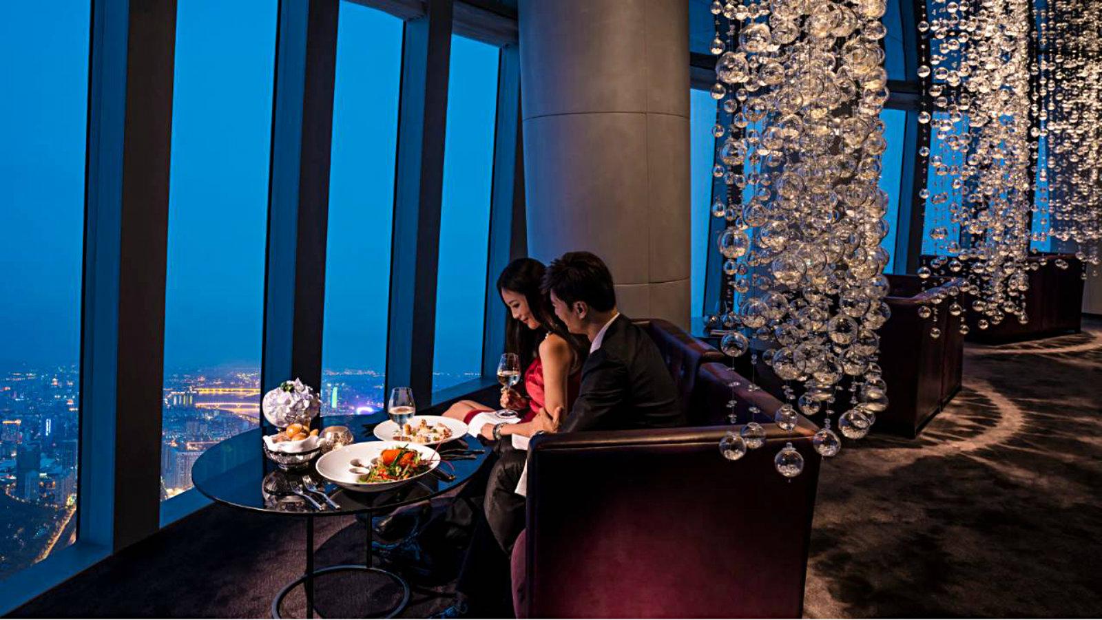 russian girl dating fine restauranter i oslo