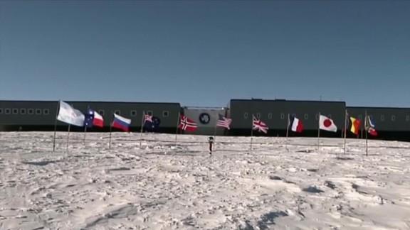 antarctica south pole plane rescue pkg _00002801.jpg