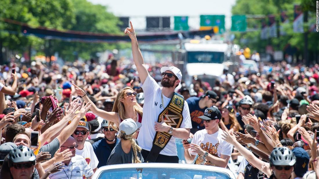 克利夫兰原本是为了庆祝NBA冠军