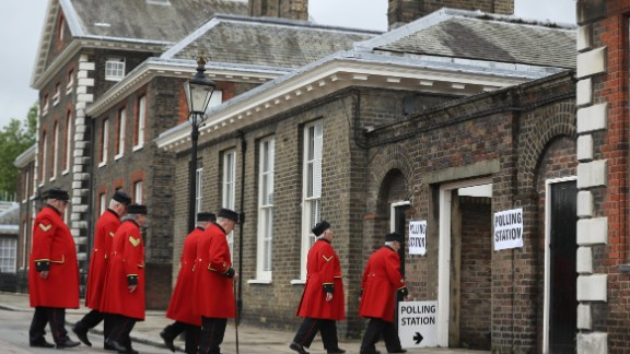 Pensioners arrive to cast their EU referendum votes at Royal Hospital Chelsea, London.