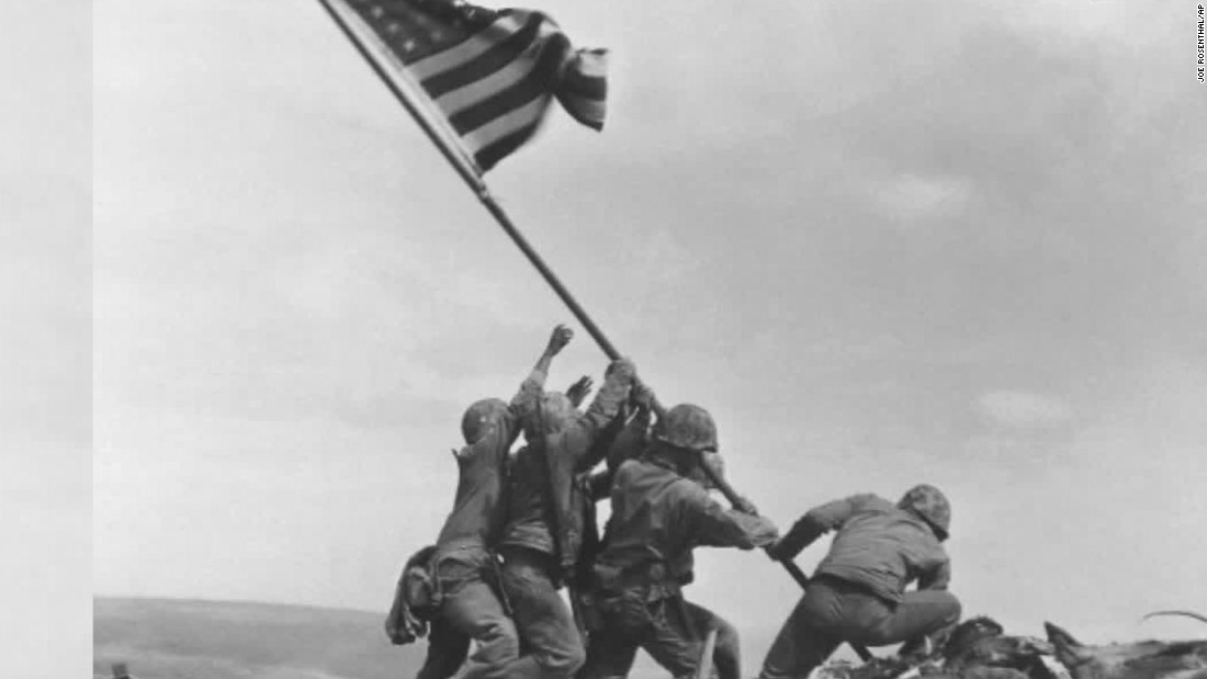 Laut di ikonik Iwo Jima foto diidentifikasi 70 tahun kemudian