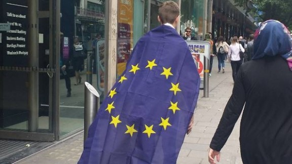 Sophie Lim was walking along a central London street when she snapped this picture of a passerby emblazoned in the EU flag.