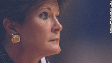 Legendary coach Pat Summitt dies at 64