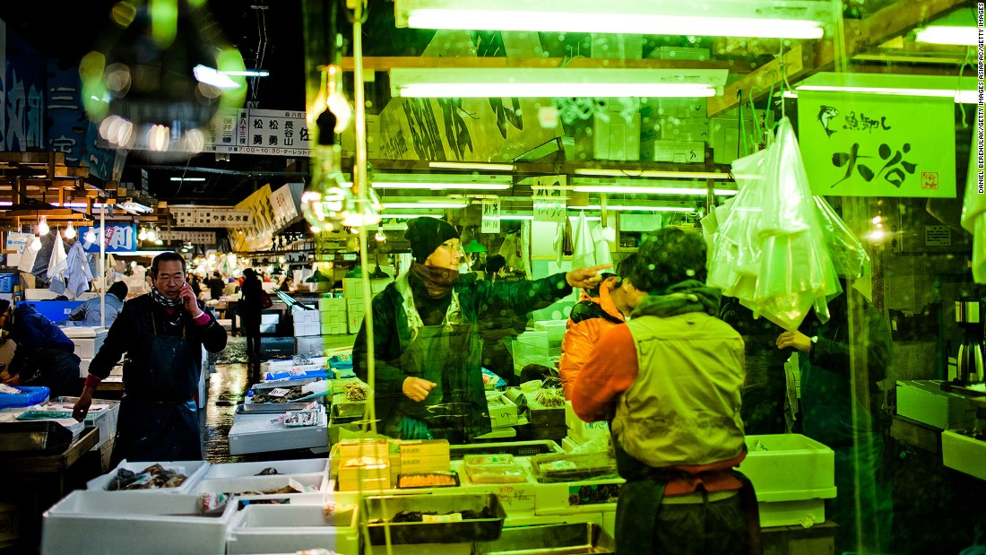<strong>Tsukiji Fish Market, Tokyo: </strong>Selling more than 400 types of seafood daily, Tokyo's Tsukiji Market is the largest wholesale fish and seafood market in the world.