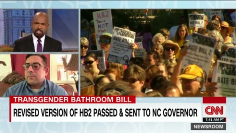 Lawmakers tweak HB2, leave restroom rules intact_00075527