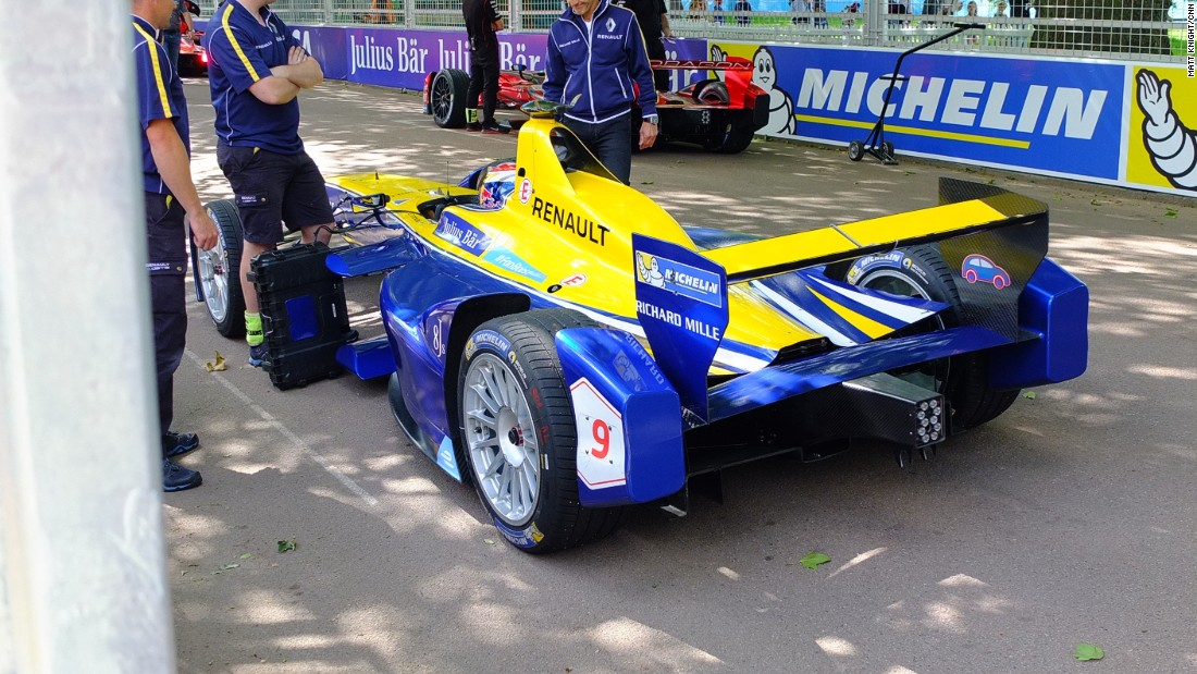 Buemi's Renault e.Dams car has shown brilliant pace all season. The Swiss driver went into the final race weekend of the Formula E season trailing championship leader Lucas di Grassi by one point.