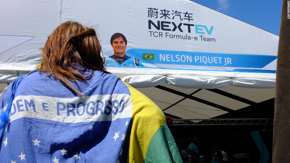 Di Grassi was hoping to emulate his countryman Nelson Piquet Jr who won the Formula E drivers' title last season.